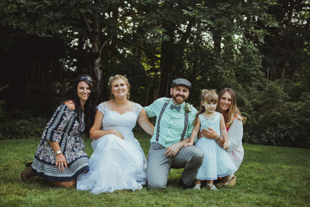 Haig Brown House Outdoor Wedding in Campbell River, BC with local Campbell River Wedding Photographer