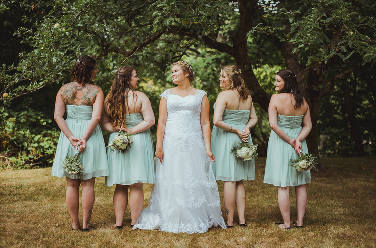 Campbell River Wedding Photographer with bridesmaids