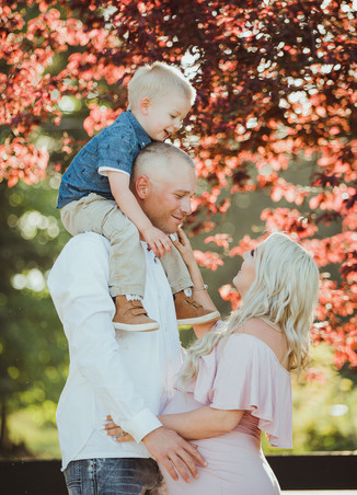 Best Maternity Photographers near Campbell River BC. Son on dad's back