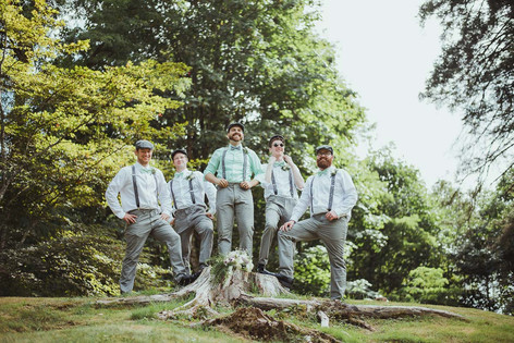 Local Wedding photographer in Campbell River BC with wedding party