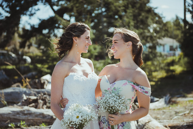 Campbell River Wedding Photographer with Bridesmaids at Oyster Bay Resort