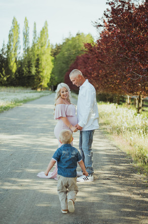 Campbell River Maternity Family Photography