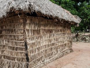 detalhe da casa tradicional HN0336_karaja