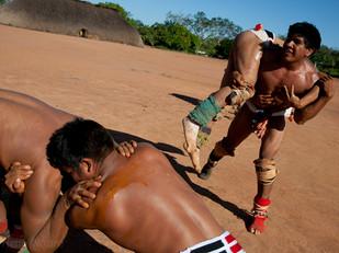 treino de luta huka-huka para o próximo quarup HN1314_mehinaku