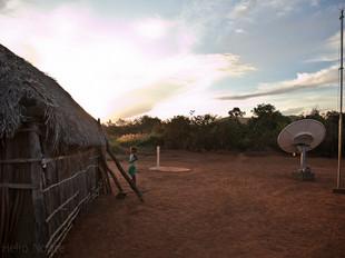 casa, crianca, antena HN0232_xavante