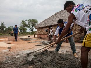 Algumas casa já estão assumindo o uso do tijolo e cimento HN0780_karaja