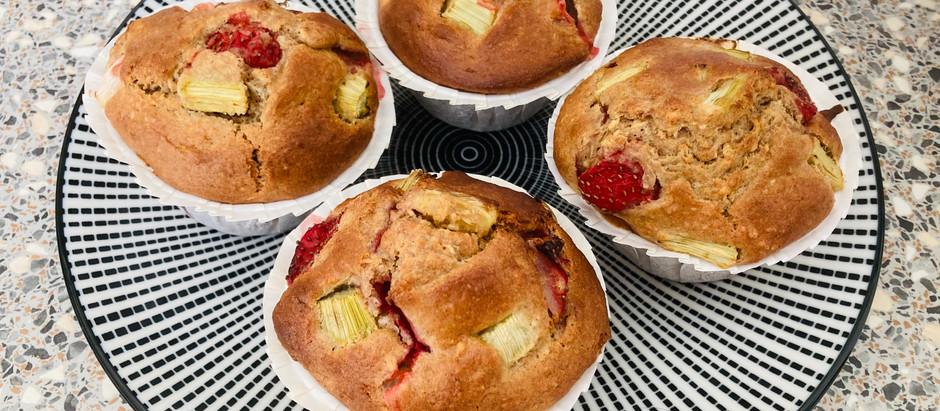 Rhabarber-Erdbeer-Muffins