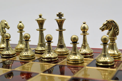 Staunton Chess Set - Classic Red Board