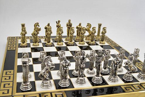 Athena Chess Set - Meander Black & White Board