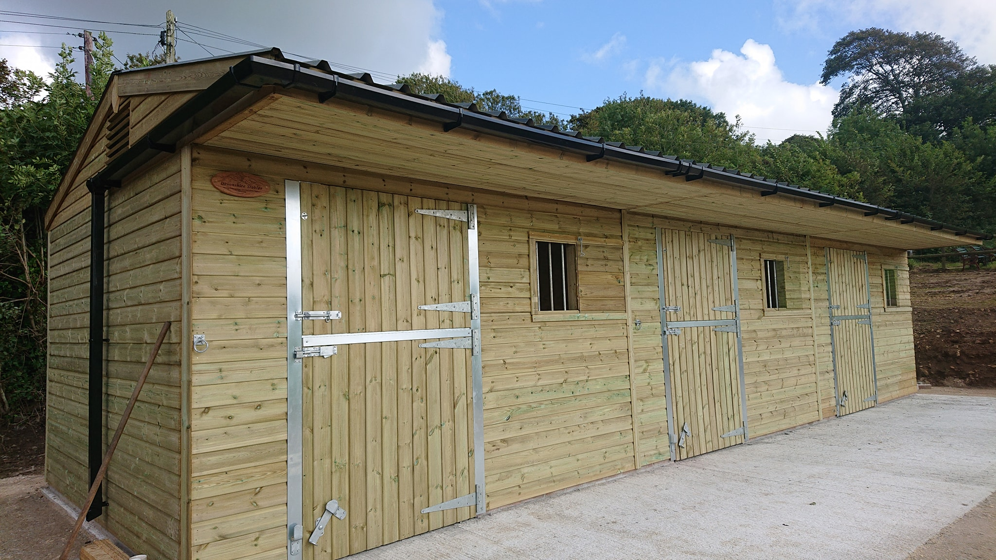 3 stables, frame protection