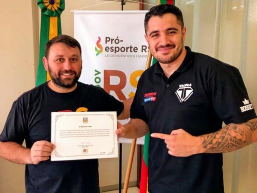 CEO do TAURA MMA é homenageado pelo governo do estado do Rio Grande do Sul