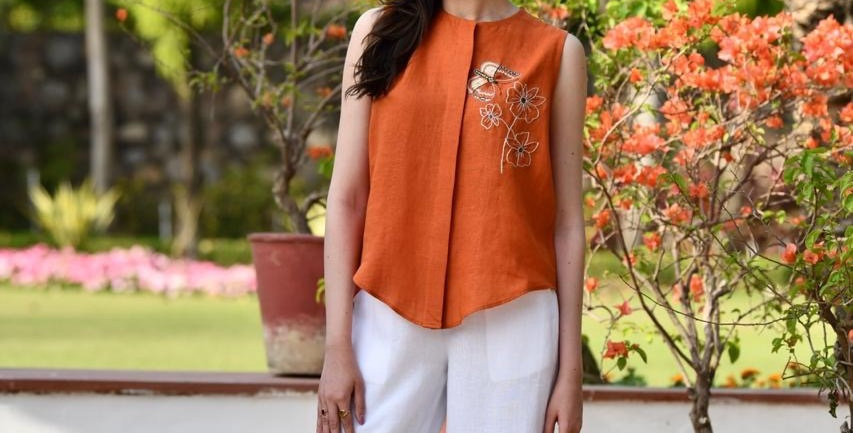 Linen Short Embroidery Top