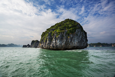 Decision 10 Sets New Criteria For High-Tech Enterprises In Vietnam.