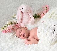 Connie New Born Shoot 29.jpg