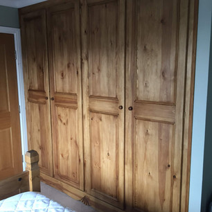 Rustic brown fitted wardrobe