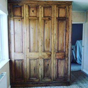 Rustic fitted wardrobe