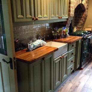 Painted kitchen with belfast sink