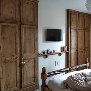 Matching alcove fitted wardrobes