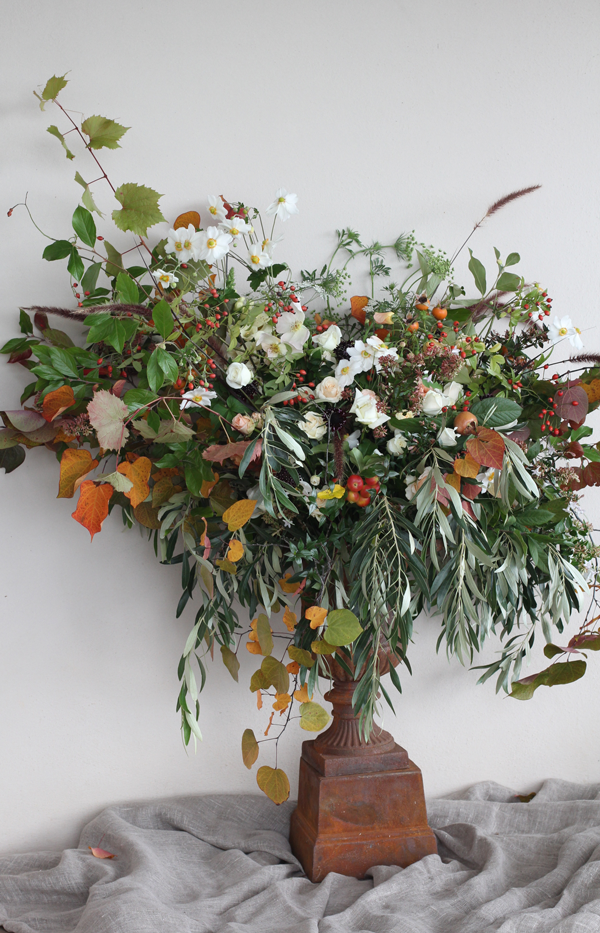 Autumnal Urn arrangement by Riverdal