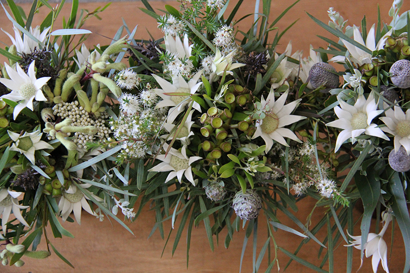 Table flowers with australian native
