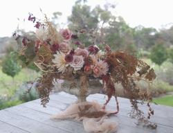 Autumn urn by Helen Leighton Albany flor