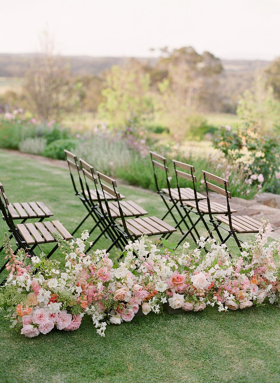 Foam free wedding aisle florals designed by Helen Leighton of Riverdale Farm