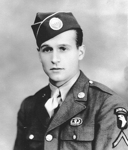 Hartzell Robert Nov 1942 2.jpg
