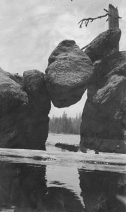 M066 Arch at Shaver Lake, circa 1915