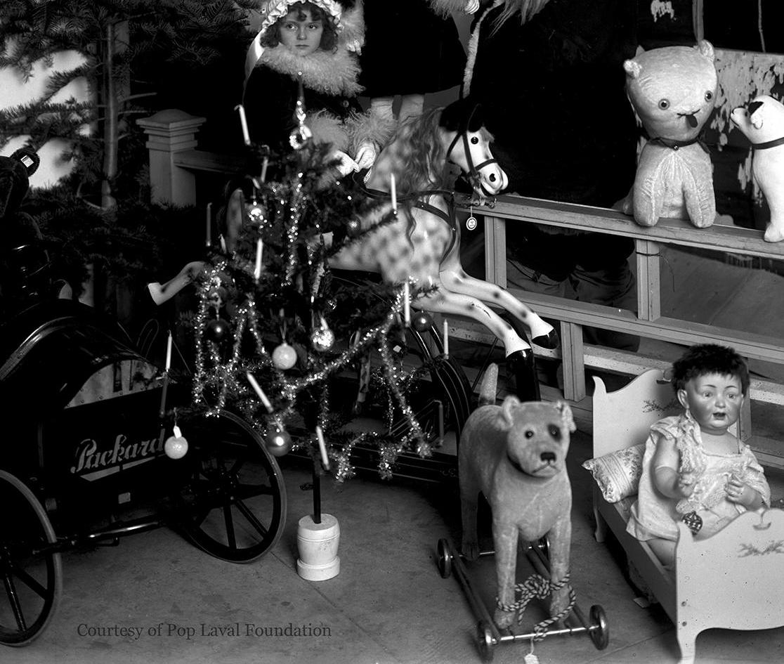 Gottschalks Christmas December -1916