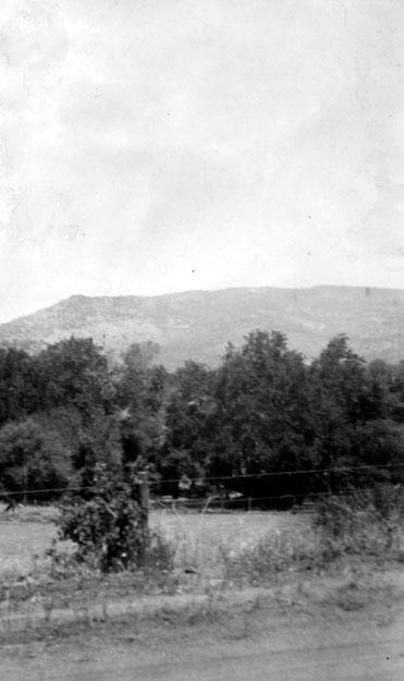 M099 Tollhouse scene, circa 1910
