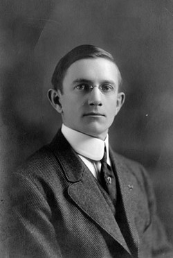 AB33 Hugo F. Allardt, 1916