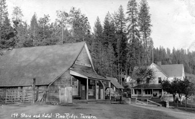 M043 Armstrong's Store and hotel, Pine R
