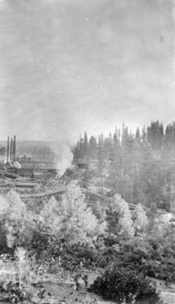 M067 Shaver Mill and flume, circa 1910