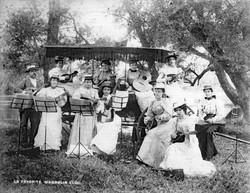 AR28 La Favorite Mandolin Club, circa 18