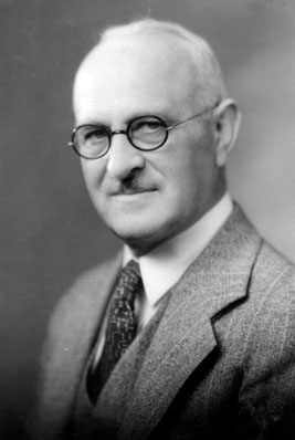AB51 Milo L. Bacon, 1933
