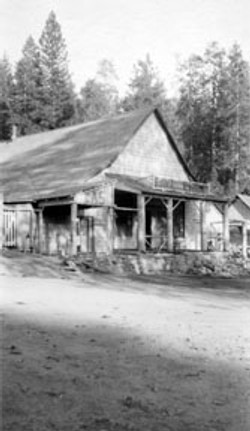 M047 Pine Ridge store, circa 1910