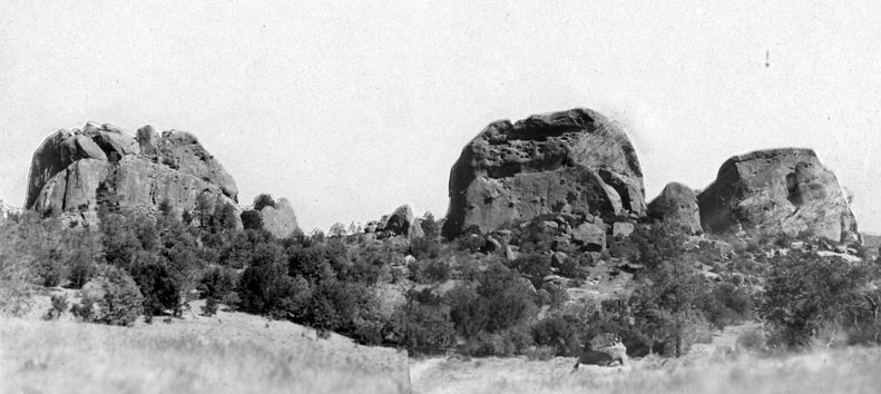 M006 Murrieta Rocks, circa 1940