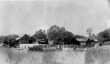 M007 Childers Home, Auberry, circa 1914.