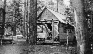 M012 Summer house at Huntington Lake, ci