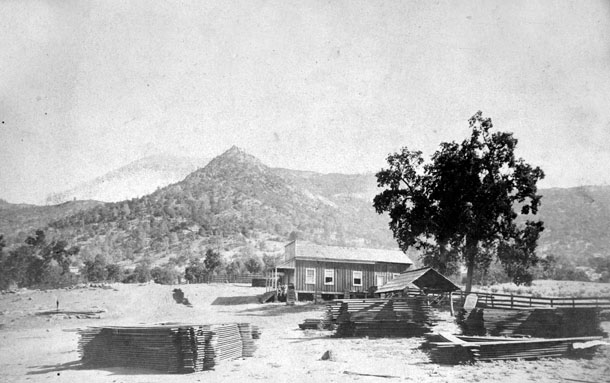 M094 Road Saloon at Tollhouse, 1880