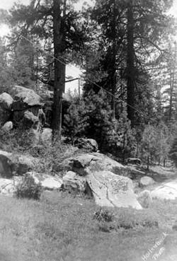 M087 Mountian scene near Shaver Lake, ci