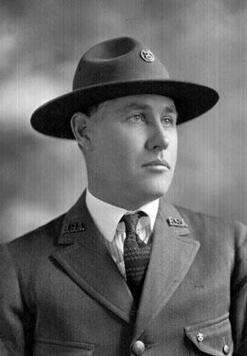 AR05 Boy Scout Executive Henry Lyons Hop