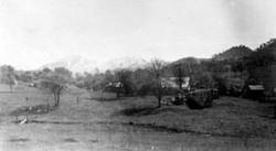 M105 Scene near Tollhouse, circa 1900