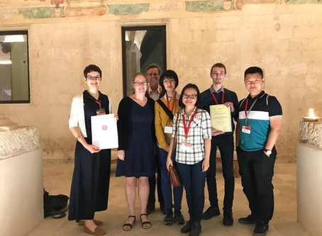 Nitschke group at ISMSC 2019 in Lecce with two poster prizes for Larissa and Roy
