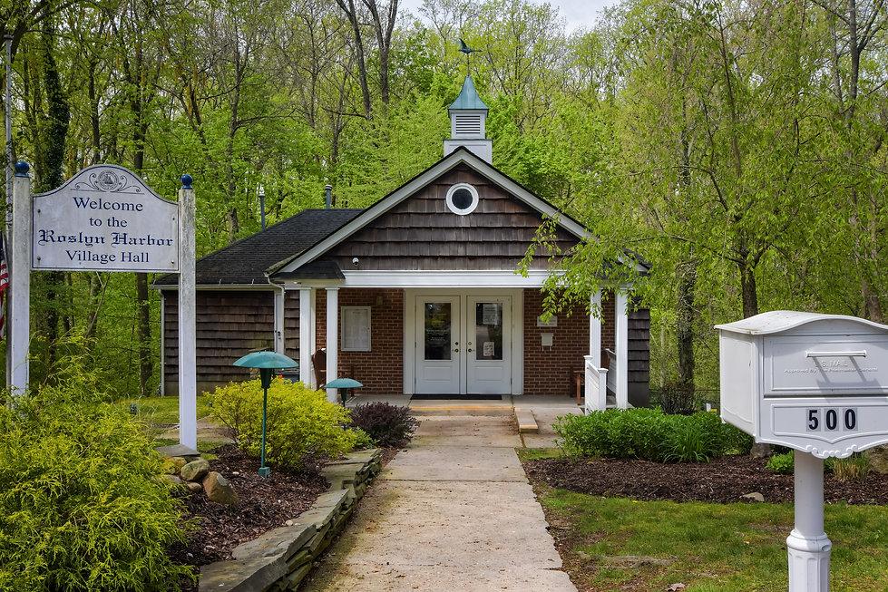 Roslyn Harbor Village Hall