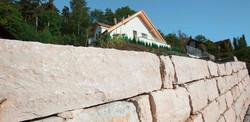 Jura-Steinmauer
