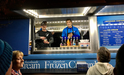 out-of-the-blue-wny-andersons-frozen-custard-dessert-truck