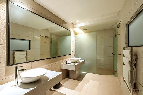 Washroom Jinhold Hotel Miri Sarawak.jpg