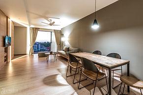 CLASSIC SIX LIVING ROOM Jinhold Serviced Apartment Miri Sarawak.jpg