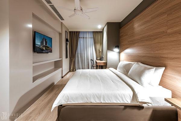 CLASSIC SIX MASTER BEDROOM Jinhold Serviced Apartment Miri Sarawak.jpg